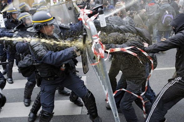 paris-cops-fight-with-protesters-at-cop21